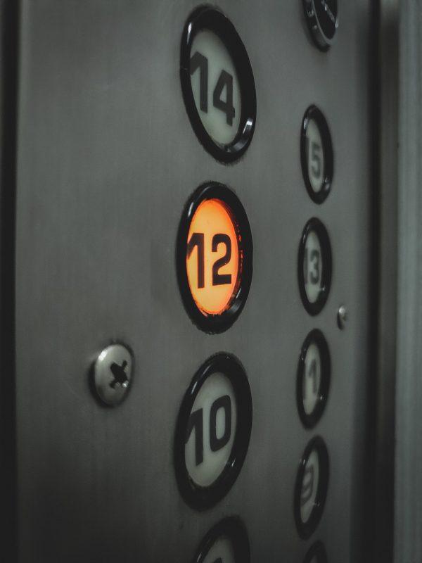 hissi, käkikello ja moottoritie